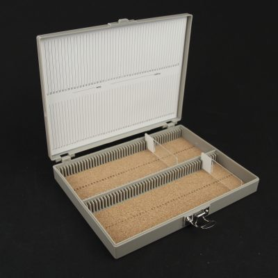 Heavy duty slide storage box, hinged lid - 100 capacity (ABS)