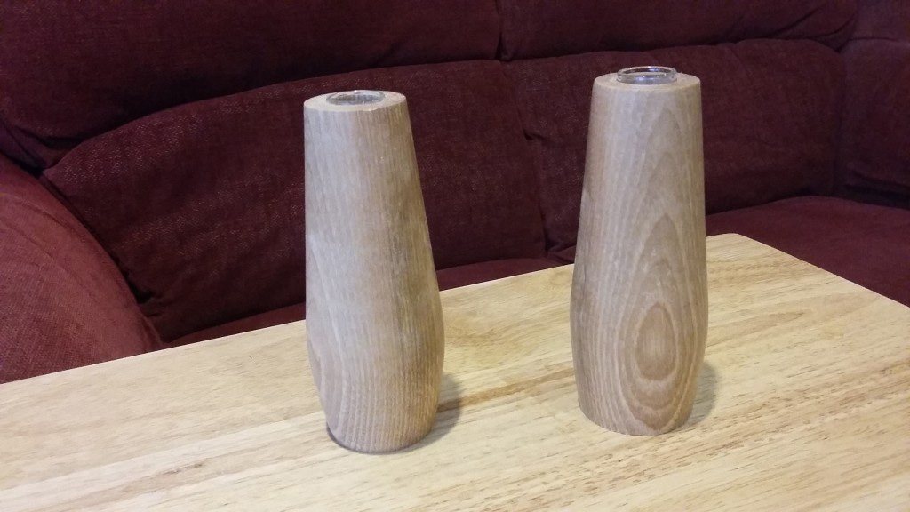 Wooden bud vases with test tube insert